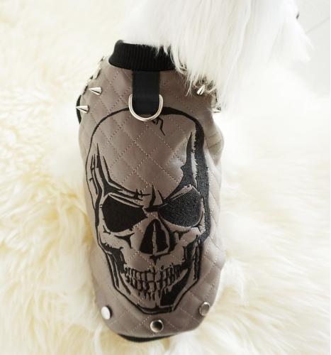 """Striukė """"Black skull"""""""